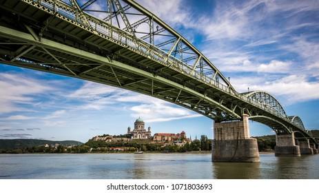 The Mária Valéria bridge joins Esztergom in Hungary and Štúrovo in Slovakia