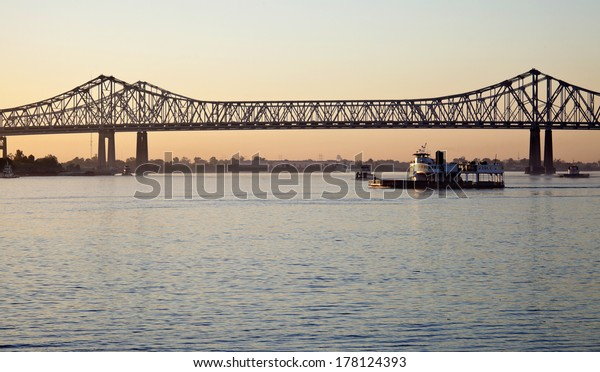 Bridge on Mississippi River in New Orleans, Louisiana