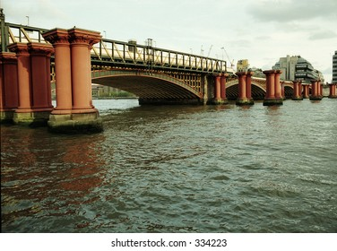 bridge on the Thames River in London