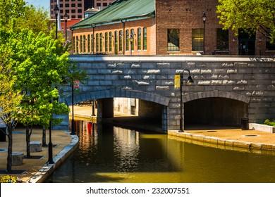 Bridge over the canal in Richmond, Virginia.