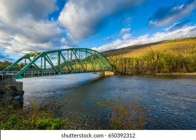Bridge over the Connecticut River, in Brattleboro, Vermont.