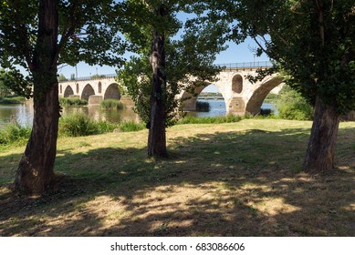 Bridge over Douro river in Zamora, Spain