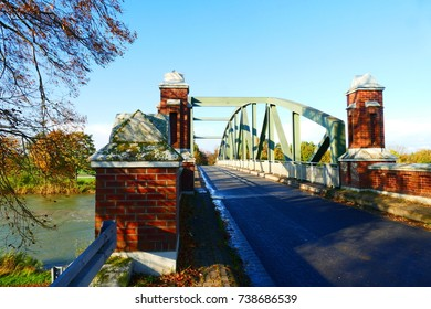Bridge over the Midland-Channel near the village of Idensen, district Hanover, Lower Saxony, Germany, Europe