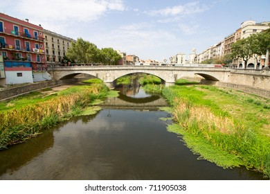 Bridge over the River Onyar in the town of Girona, Spain