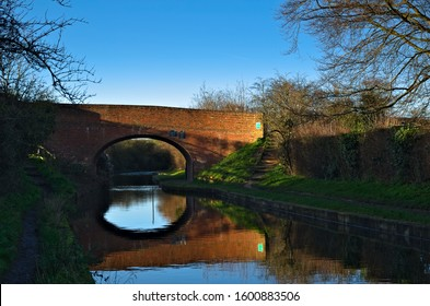 Bridge over the Wendover Arm Canal near Little Tring, in the county of Hertfordshire, England, on a sunny winters day.