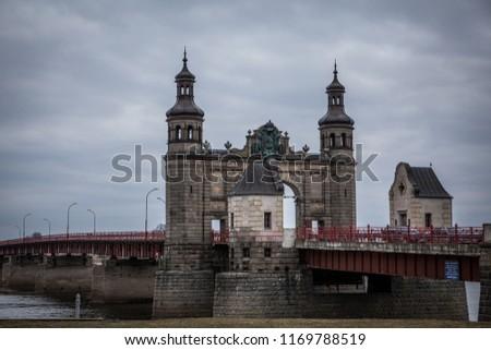 bridge-queen-louise-sovetsk-kaliningrad-