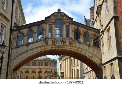 the Bridge of Sighs in Oxford, England