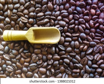 Bright coffee beans with band wood, refreshing