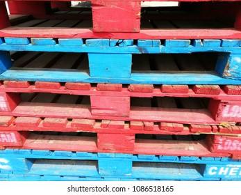 bright color wooden pallets