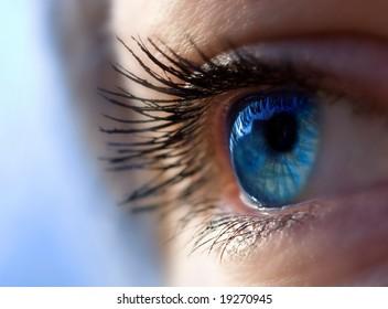 Bright, fashion eye, beautiful make up