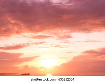 Bright Horizon Evening Scene