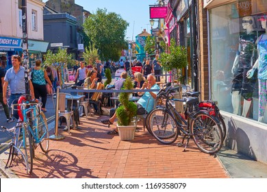 Brighton, East Sussex, England, UK, September 1st 2018 Brighton Lanes shops and shoppers, an eclectic mix of independent shops and restaurants pubs and health foods