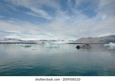 Brillant view at jökulsárlón glacier lagoon in Iceland