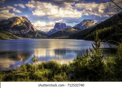 Brilliant blue Wyoming sky behind Square Top Mountain and the Green River Lakes.