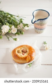 brioches with cheese and rhubarb