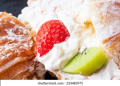 Brioches with whipped cream