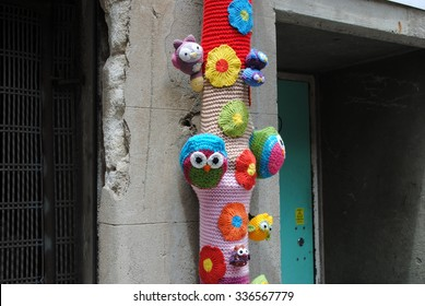 BRISBANE, AUSTRALIA, February 15, 2015: Yarn bombing in a Brisbane City laneway