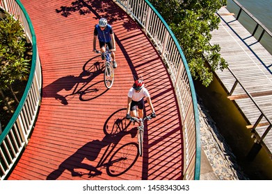 Brisbane, Australia : Unidentified person cycling for exercise in a path in Southbank area, Brisbane, Australia (04/2008).