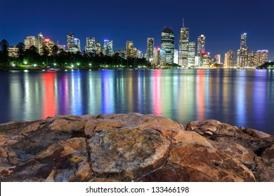 brisbane at night from kangaroo point (brisbane, queensland, australia)