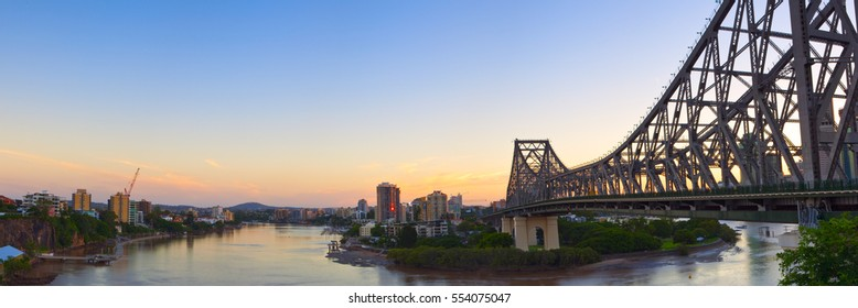 Brisbane's Story bridge at sunset with the Brisbane river