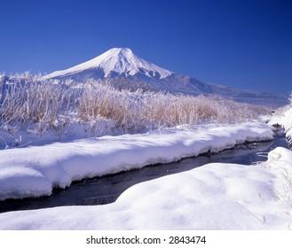 A brisk Japanese winter landscape