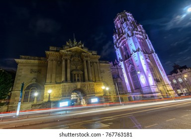 Bristol Museum and Art Gallery beside Wills Memorial Building by night, Long Exposure Night Photography