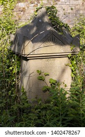 BRISTOL, UK - MAY 13 : Sunlit tombs along Birdcage Walk in Bristol on May 13, 2019