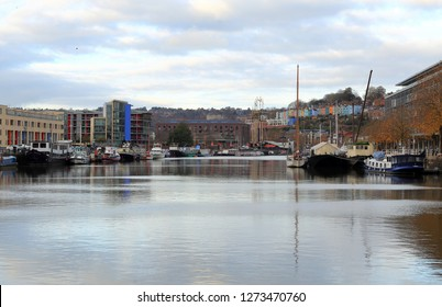 Bristol,England,UK. 11.14.2018. View of the Floating Harbour with mooring boats and ships,also use for leisure and sport  purposes by various recreational clubs, sailing, rowing, fishing and canoeing.