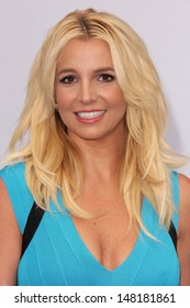 "Britney Spears at the ""The Smurfs 2"" Los Angeles Premiere, Village Theater, Westwood, CA 07-28-13"