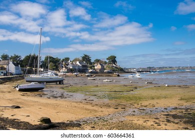 Brittany, Ile aux Moines island, harbor, low tide