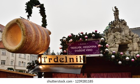 BRNO, CZECH REPUBLIC-NOVEMBER 24: Opening of traditional Christmas trade near  town hall on November 24, 201 in Brno, Czech republic.