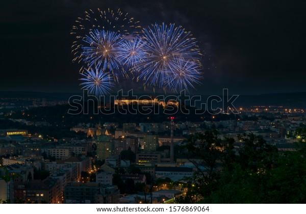 brno-spilberk-blue-pyrotechnics-brunensi