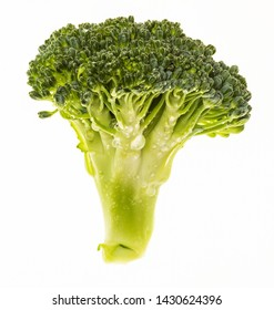 Broccoli (Brécol, brócolli, bróqui, broccoli brote, brassica oleracea) portion and very fresh (with water drops). Isolated on white background.
