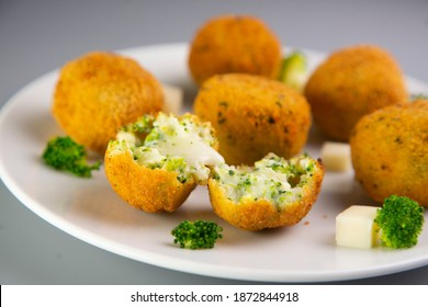 Broccoli croquettes with cheese. Traditional spanish tapa.