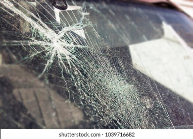 broken car window, an accident on the road. Safe movement.