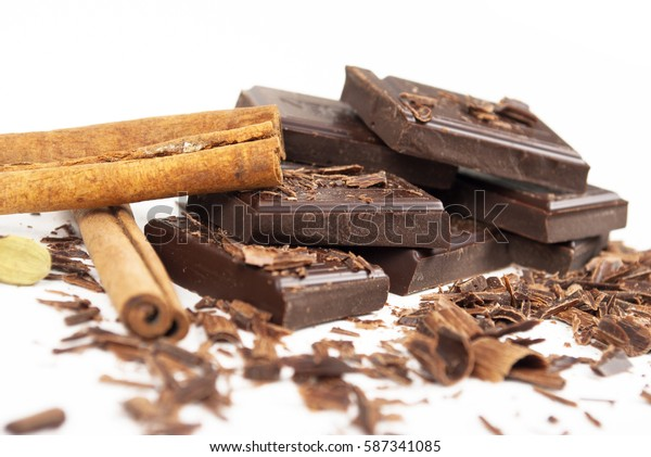 Broken chocolate bar and spices