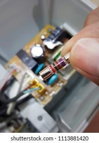 Broken fuse 2A/125V