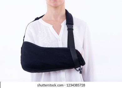 broken hand wearing an arm brace