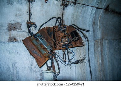 Broken+radio Images, Stock Photos & Vectors | Shutterstock