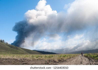 Bromo Eruption Vulcano
