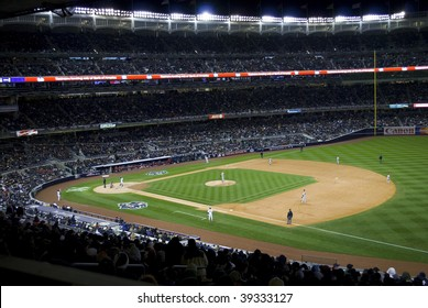 BRONX, NY - OCTOBER 17: A wide view of Yankee Stadium during game 2 of the ALCS on October 17, 2009 in the Bronx, NY.