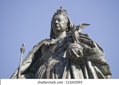 Bronze memorial statue of Queen Victoria (1819 - 1901) in Guildhall Square, Portsmouth.  Sculpted by Alfred Drury (1856 - 1944) and on public display since 1903.