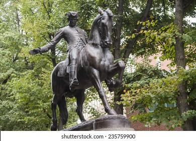 Bronze statue of Paul Revere on Boston's Freedom Trail historic tourist walk.