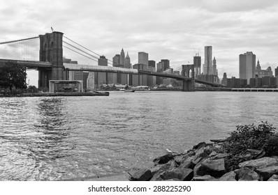 Brooklyn bridge, black and white