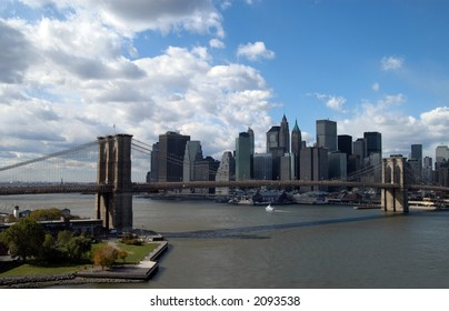 brooklyn bridge and downtown new york