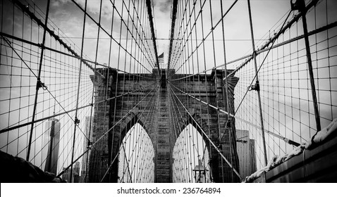 Brooklyn bridge, dramatic black and white photo