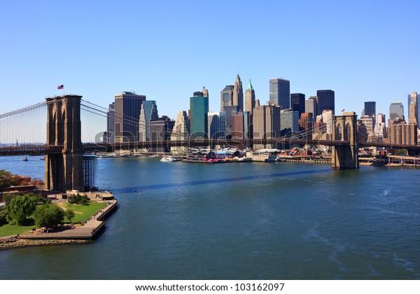 Brooklyn Bridge and lower Manhattan, New York