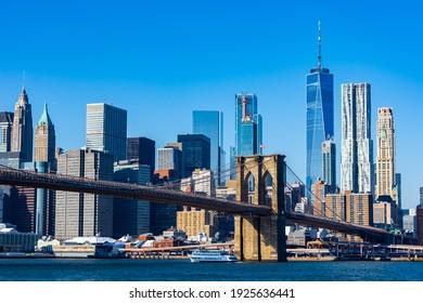 Brooklyn Bridge with Manhattan in the background