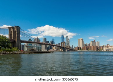 Brooklyn bridge and Manhattan at the other side