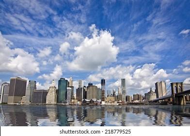 The Brooklyn bridge and Manhattan skyline, New York City, USA